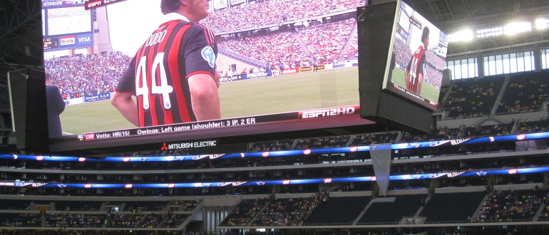 Cowboys_stadium_television_screen[1]