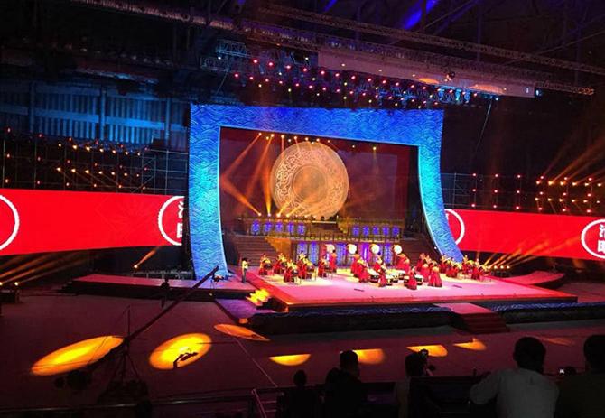 гибкий LED экран для концертов