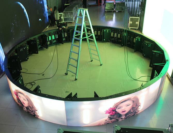 конструкция радиусных светодиодных экранов