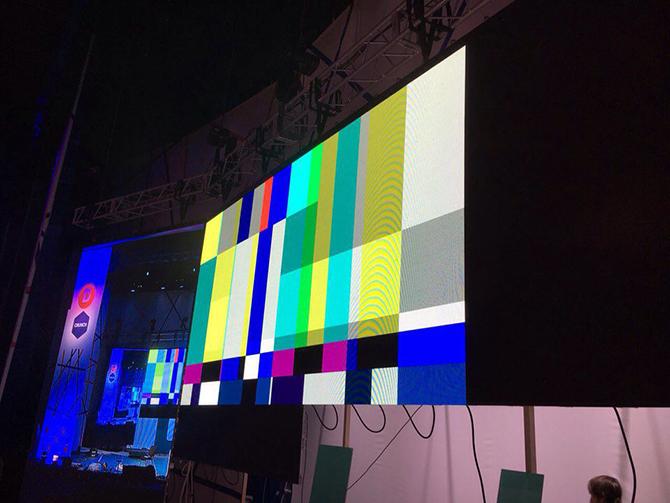 ролики для рекламного экрана